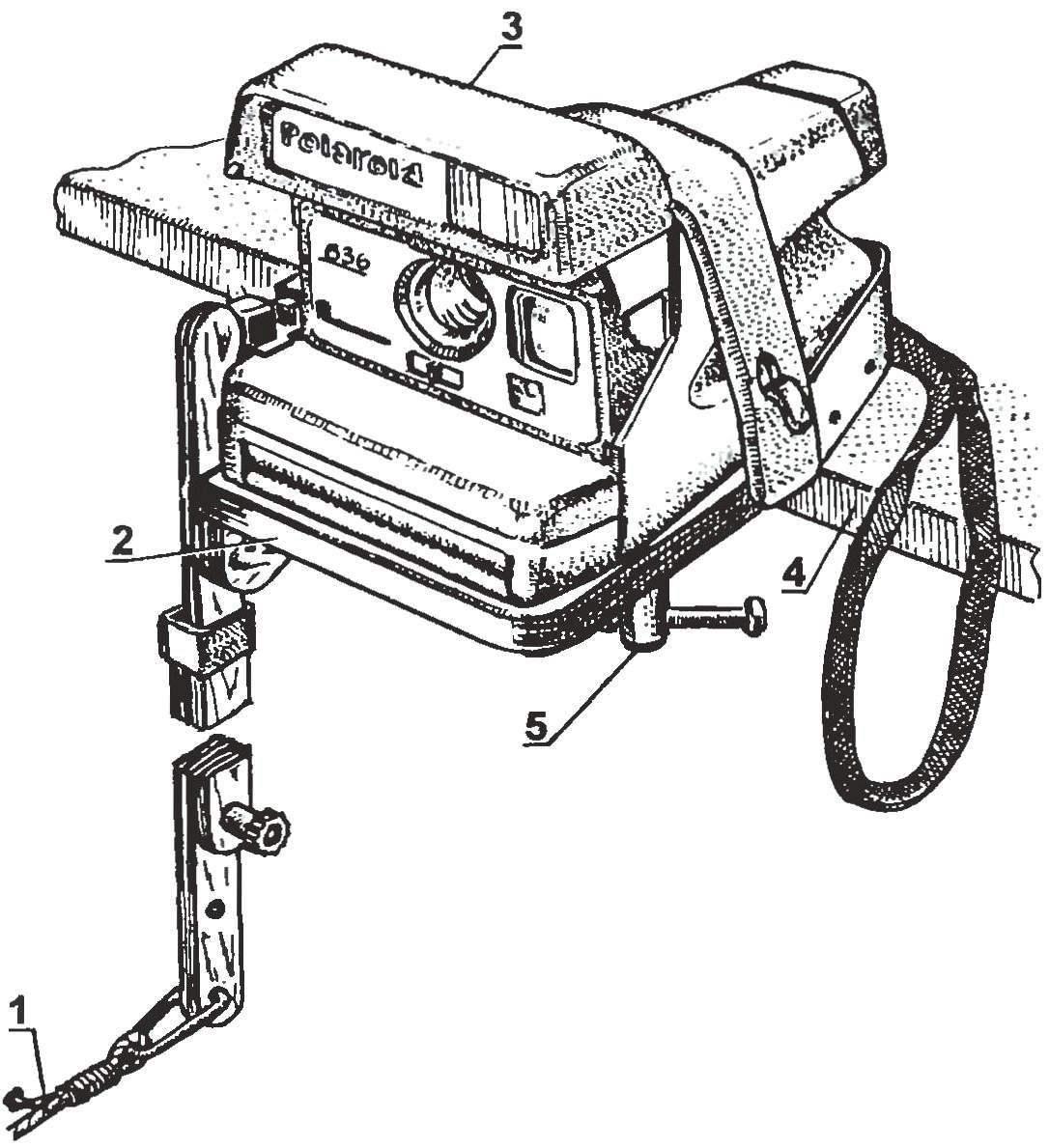 Фотокамера «Polaroid» с приспособлением для самофотосъемки