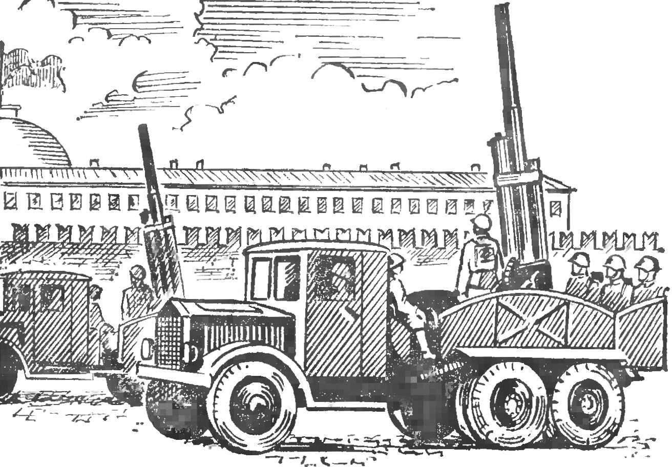 Рис. 3. 76-мм зенитное орудие на автомобиле ЯГ-10