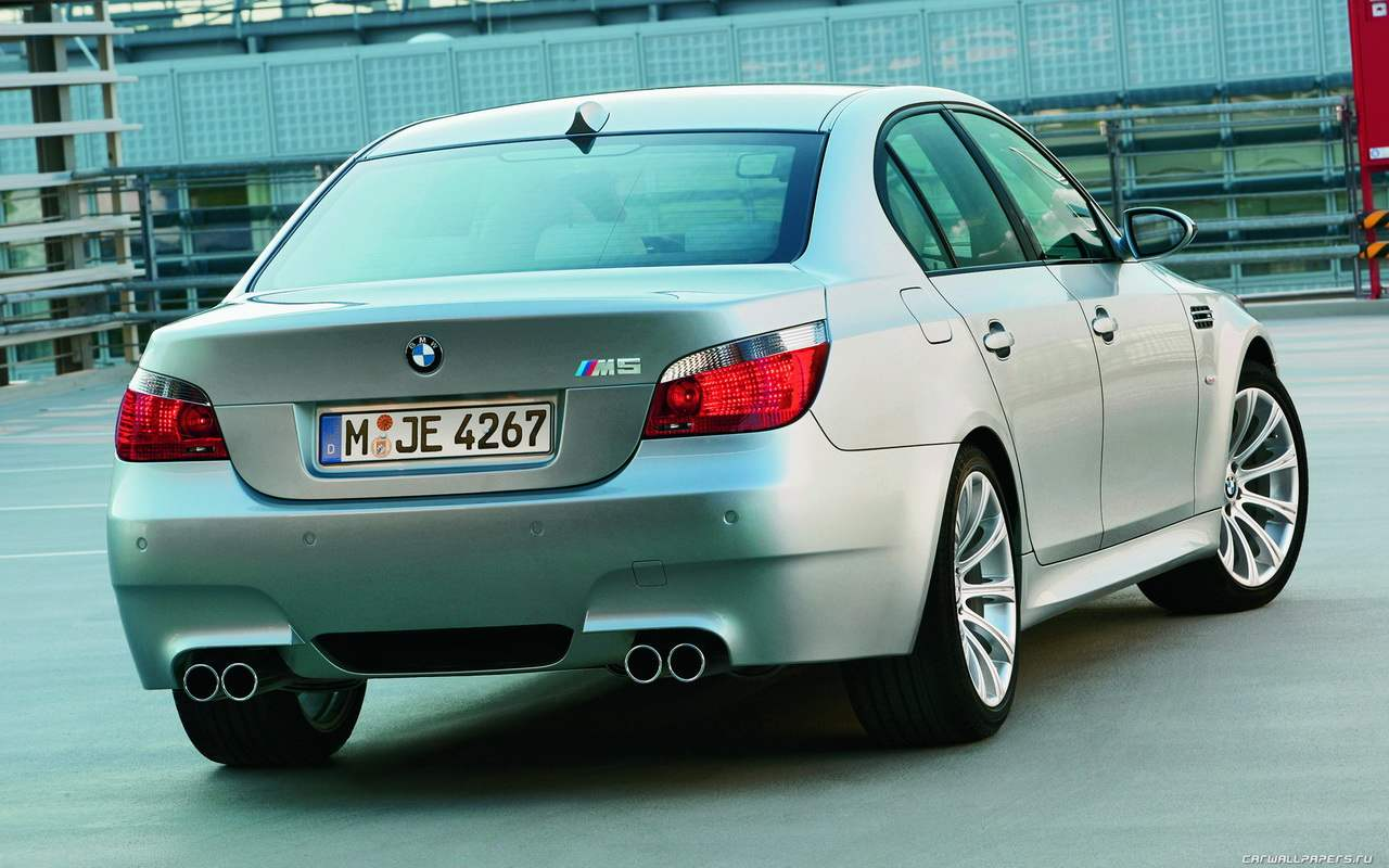 The BMW M5 super-sedan IV generation edition 2004
