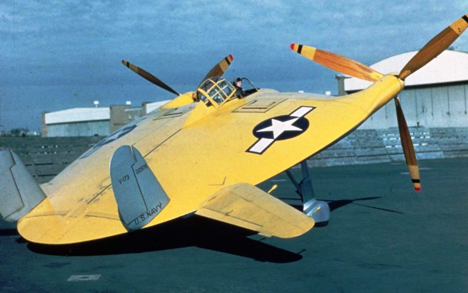 XF5U-1 с винтами от истребителя Corsair па газовочной площадке