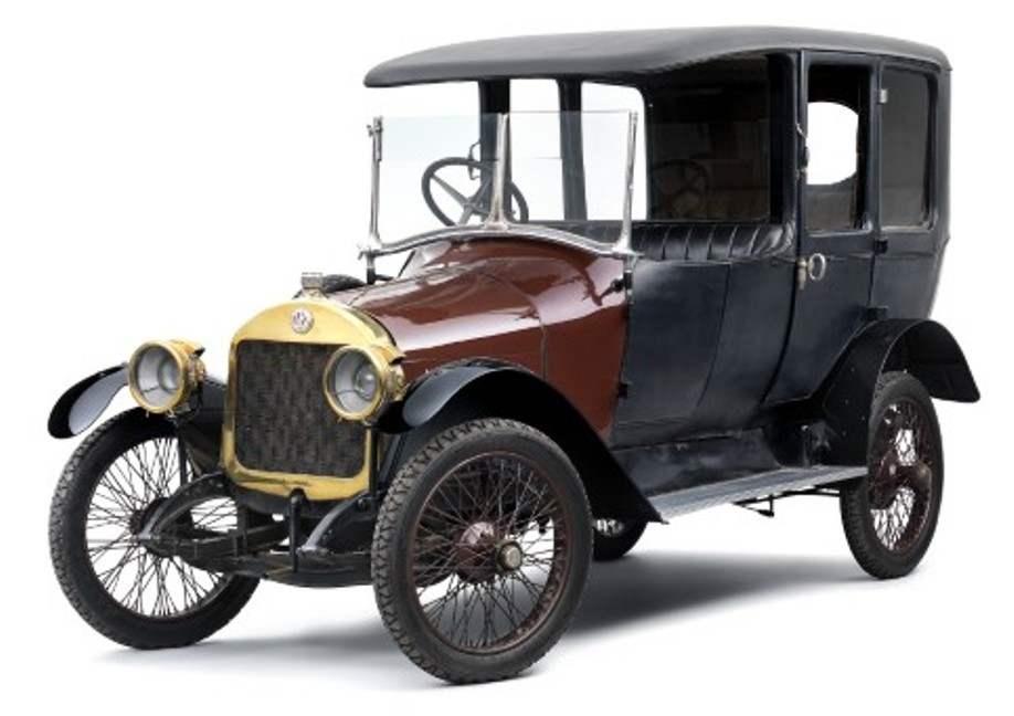 L&К М выпуска 1917 года — роскошный лимузин-трансформер, который можно было легко превратить в грузовичок или микроавтобус