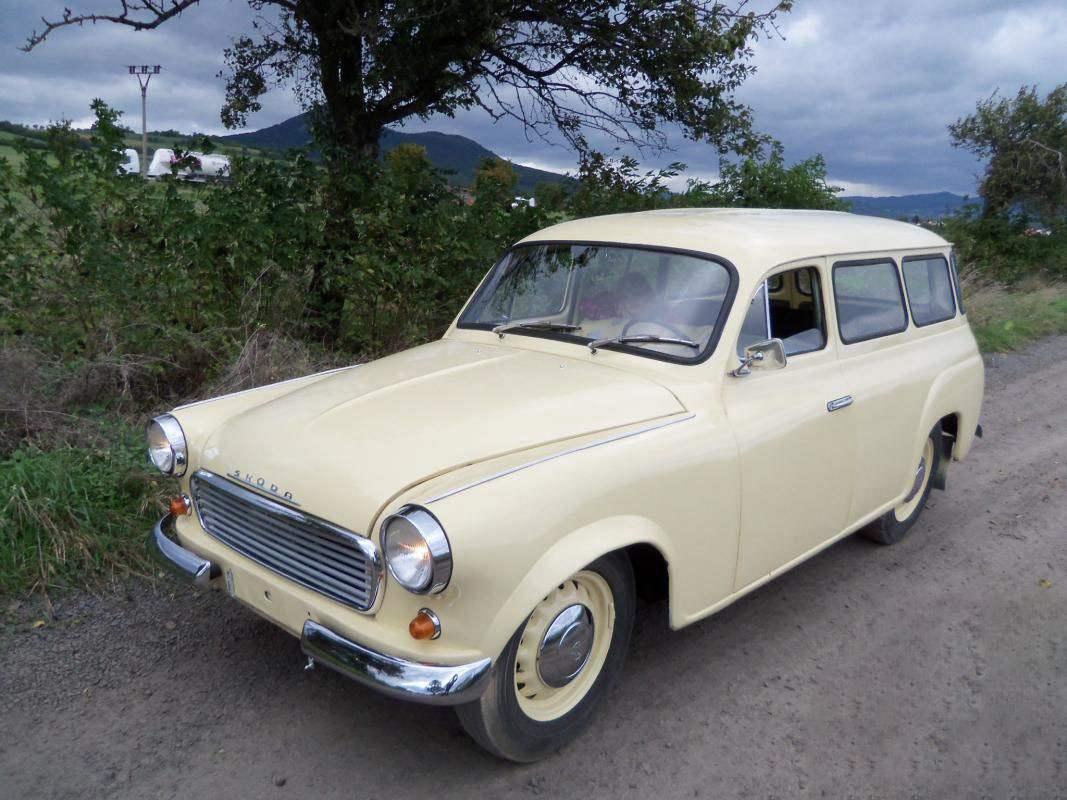 SKODA 1202 OCTAVIA COMBI — первый в ЧССР автомобиль-универсал для продажи частным липам (1960 г.)