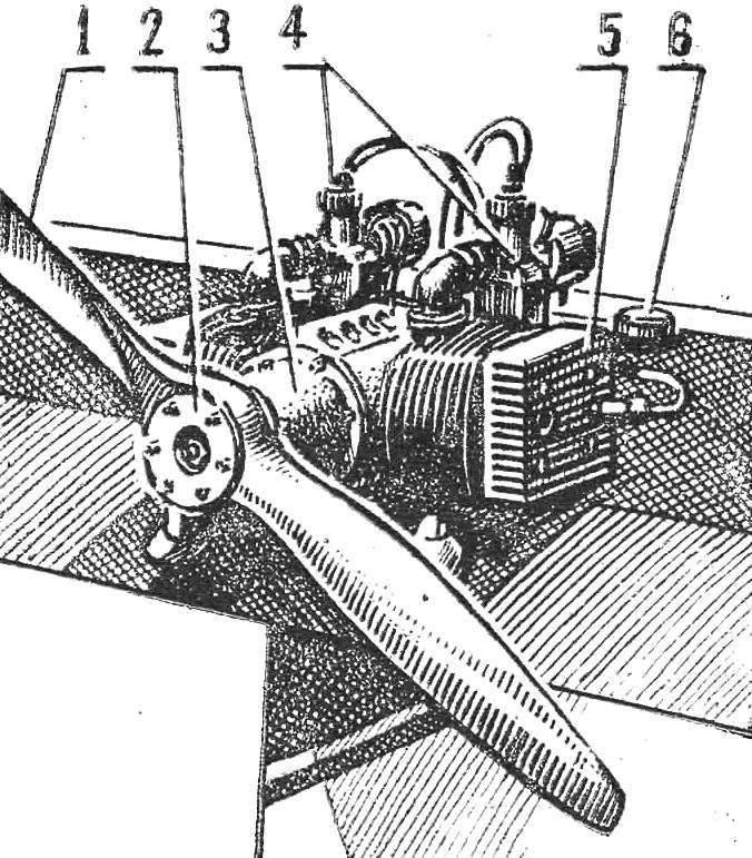 Рис. 4. Двигатель, вид в 3/4 сзади