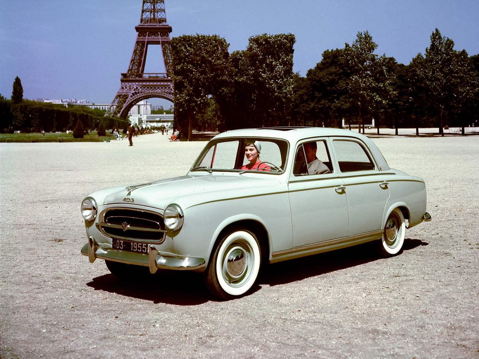 PEUGEOT 403 выпуска 1955 года — с нею началось сотрудничество фирмы Peugeot и кузовного дизайнера Фарины по прозвищу «Пинин»