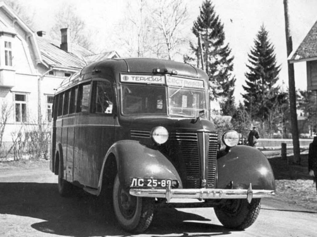 Comfortable bus bonnet layout ZIS-16 of issue 1938 Gol