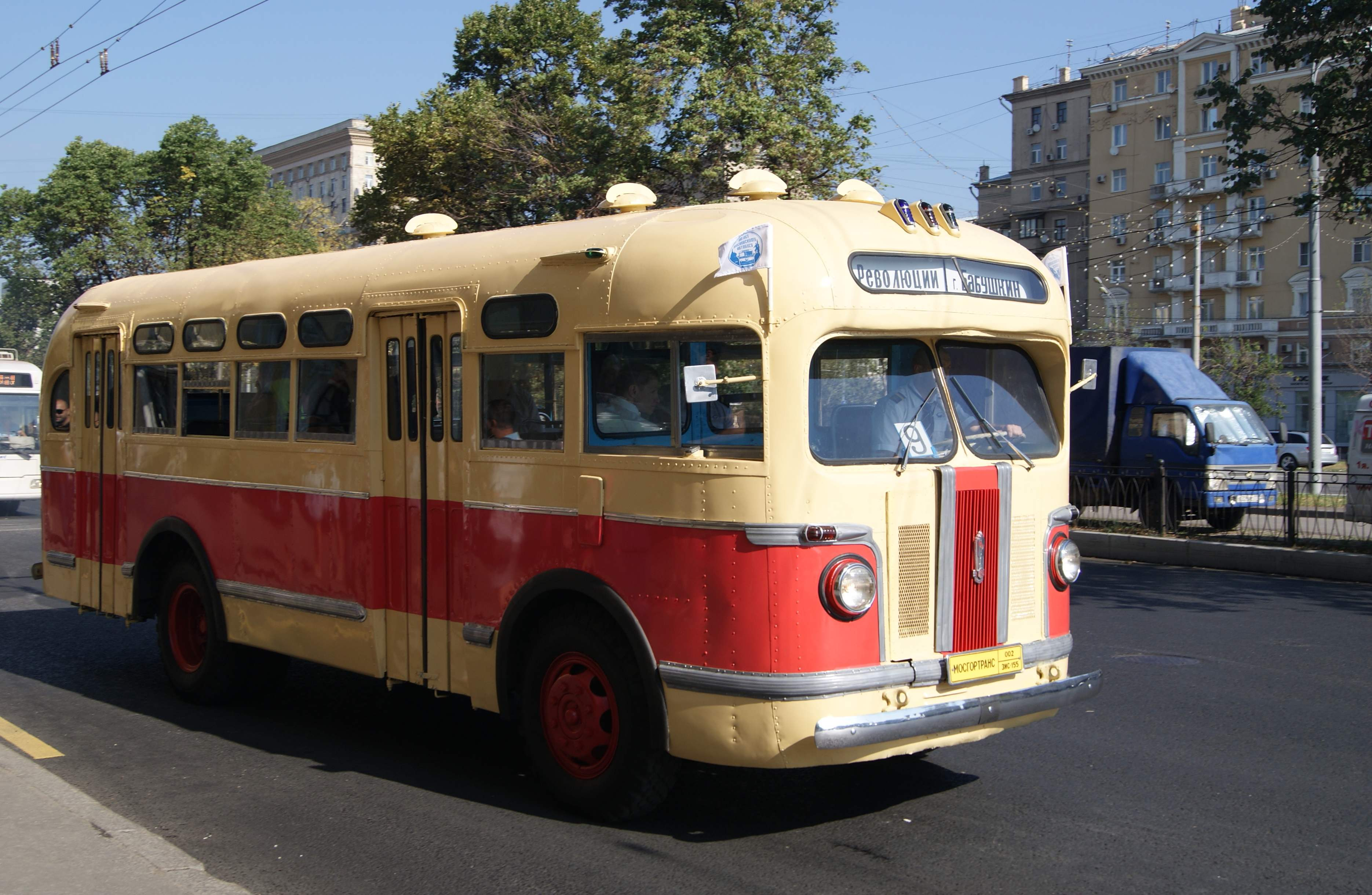 ZiS-155 production in 1949 — the most common domestic bus 50-ies of the last century
