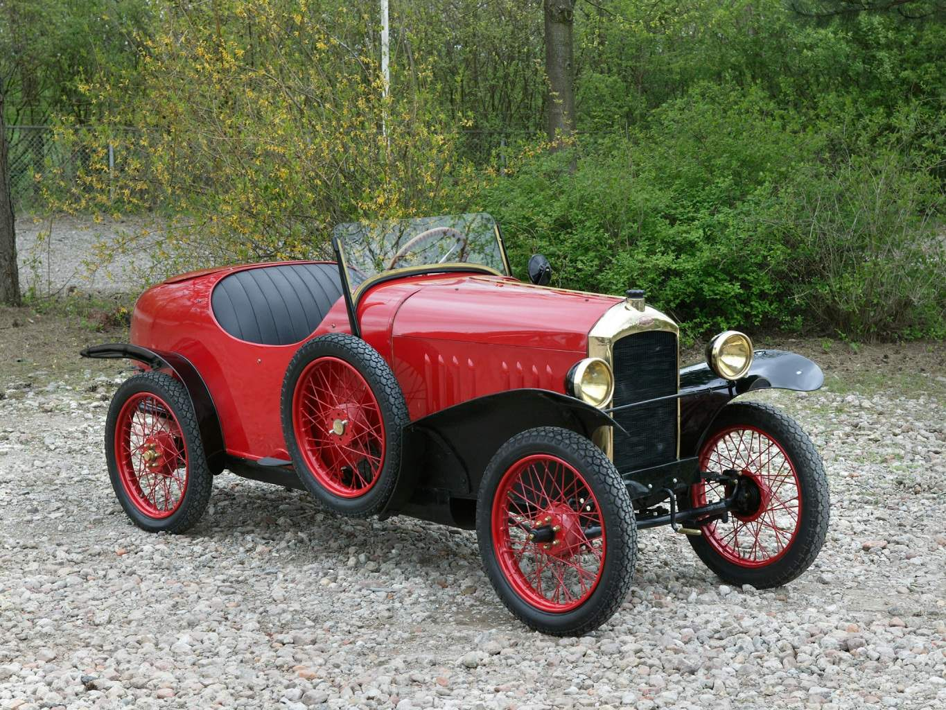 PEUGEOT 172 issue 1925 — voiturette with a claim to the design of a sports car of the time