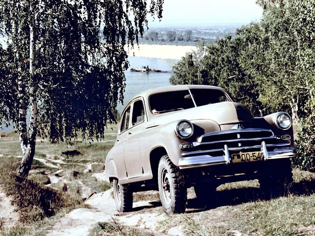 Полноприводной ГАЗ-М72 — гибрид армейского джипа ГАЗ-69 и легкового автомобиля «Победа» М-20 (1955 г.)