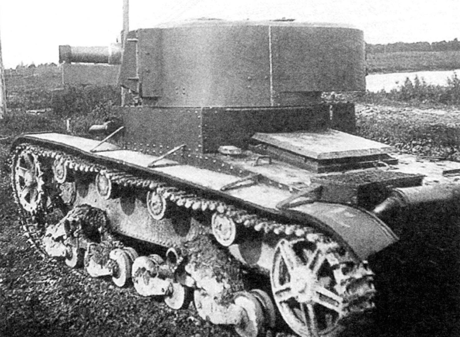 Вариант артиллерийского танка под индексом Т-26-4 с башней увеличенного объёма также под 76,2-мм пушку