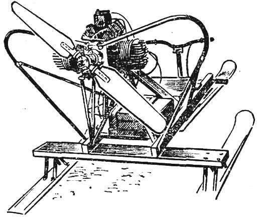 Рис. 3. Самодельный двигатель ББ-1 с использованием цилиндров и шатунно-поршневого механизма от мотоцикла ИЖ-56. Аэросани Л. Шустова (Витебск).