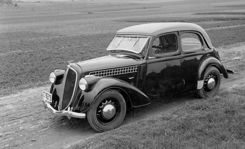 Автомобиль «Шкода-Популар» выпуска 1934 года.
