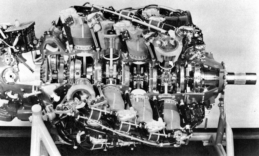 Двигатель R4360-4