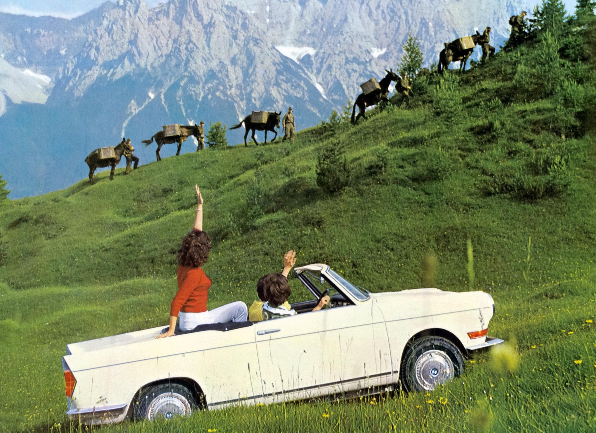 Двухдверный заднемоторный BMW 700 — автомобиль, завершивший серию компактных недорогих машин массового спроса (1959 г.)