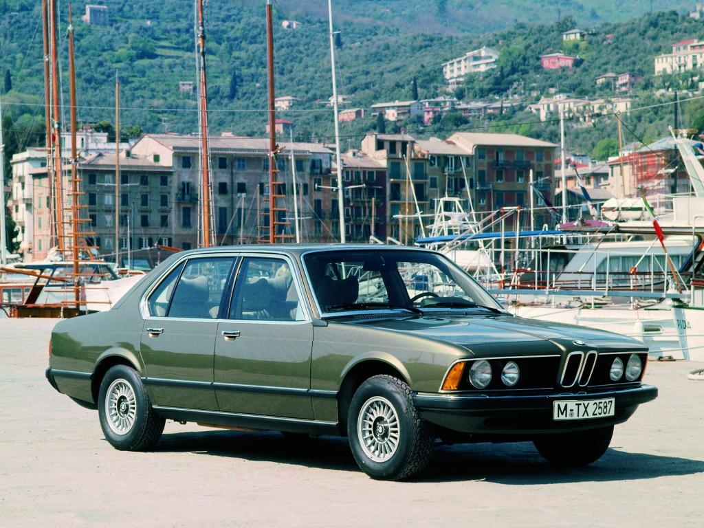 Первая «семерка» — роскошный представительский седан BMW 745i (1977 г.)