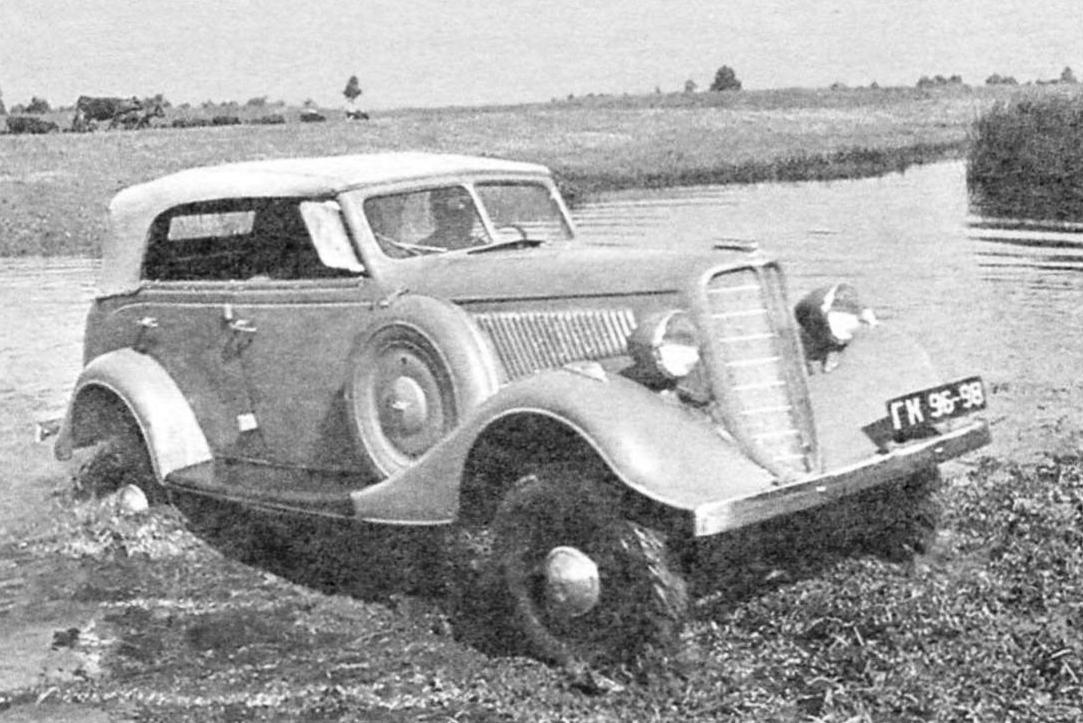 ГАЗ-61-40 (ГАЗ-11-40) - полноприводной вариант «эмки» ГАЗ-М1 с открытой кабиной, четырёхцилиндровым двигателем и четырёхступенчатой коробкой передач