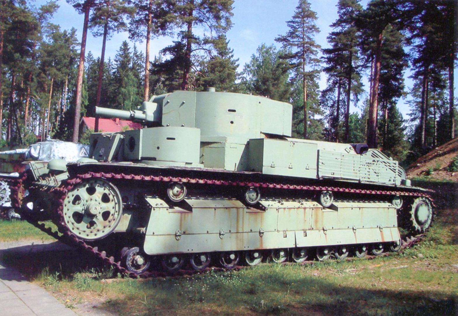The T-28 tank gun L-10. 1938 Tank Museum in parola, Finland