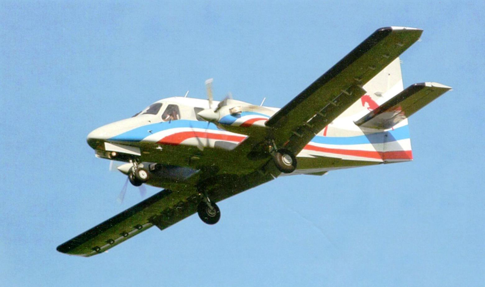 Первый опытный образец многоцелевого лёгкого самолёта «Рысачок», разработанный отечественной фирмой «Техноавиа», в полёте на МАКС-2011. Город Жуковский Московской области