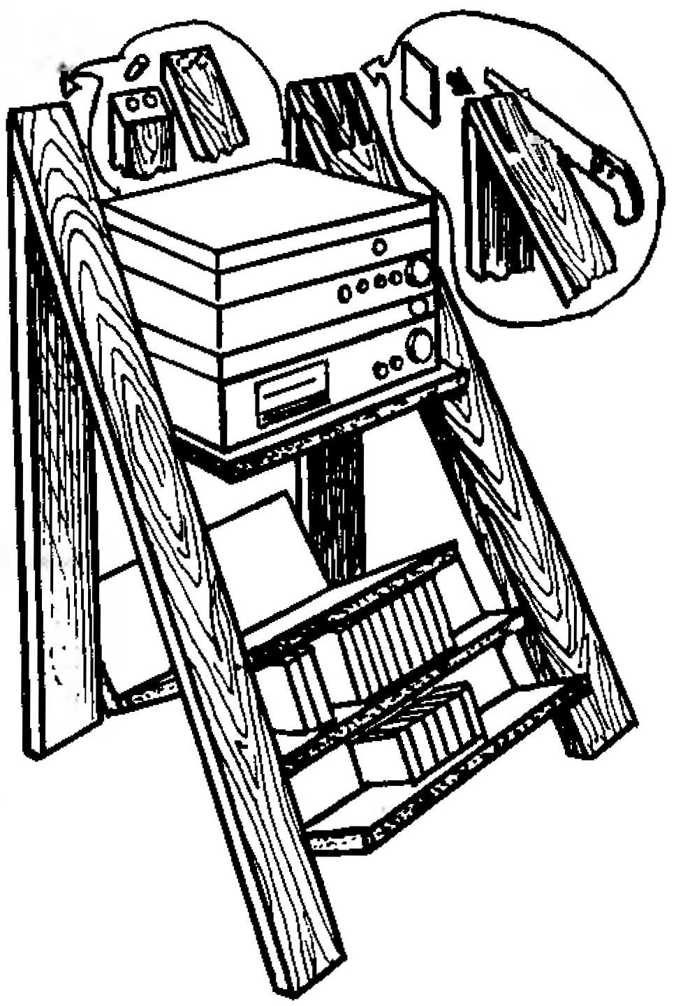 Fig. 4. Options for connecting the racks of the rack-ladder spikes (left) or inserts (right)