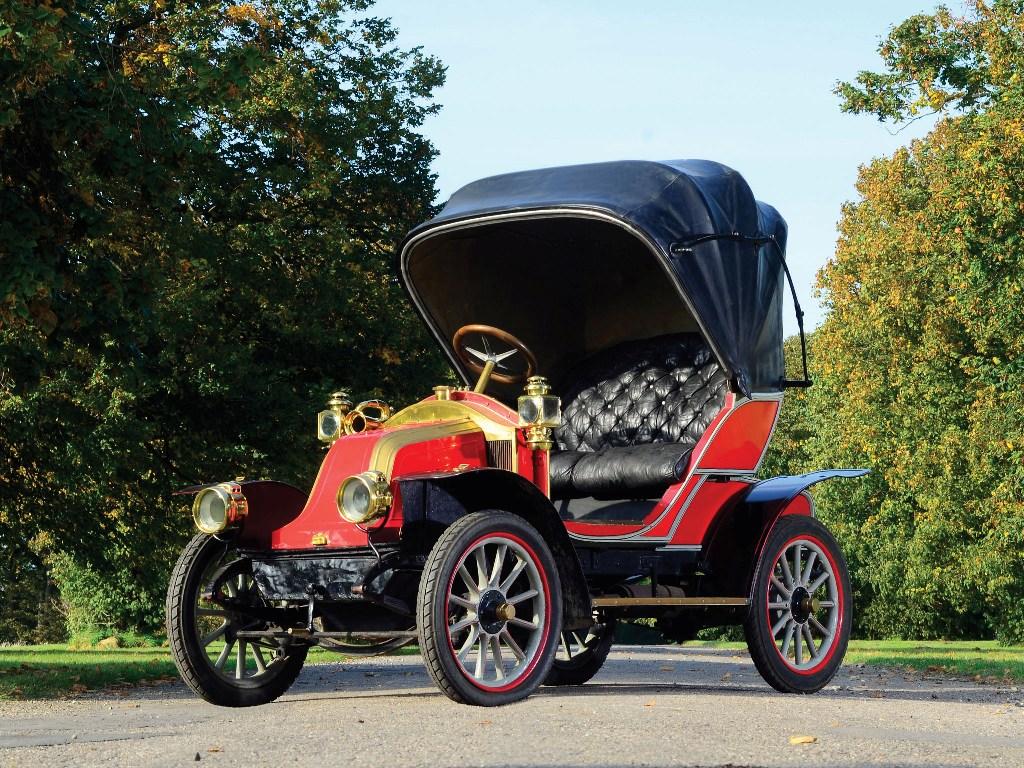 Автомобиль RENAULT АХ производства 1908 г.
