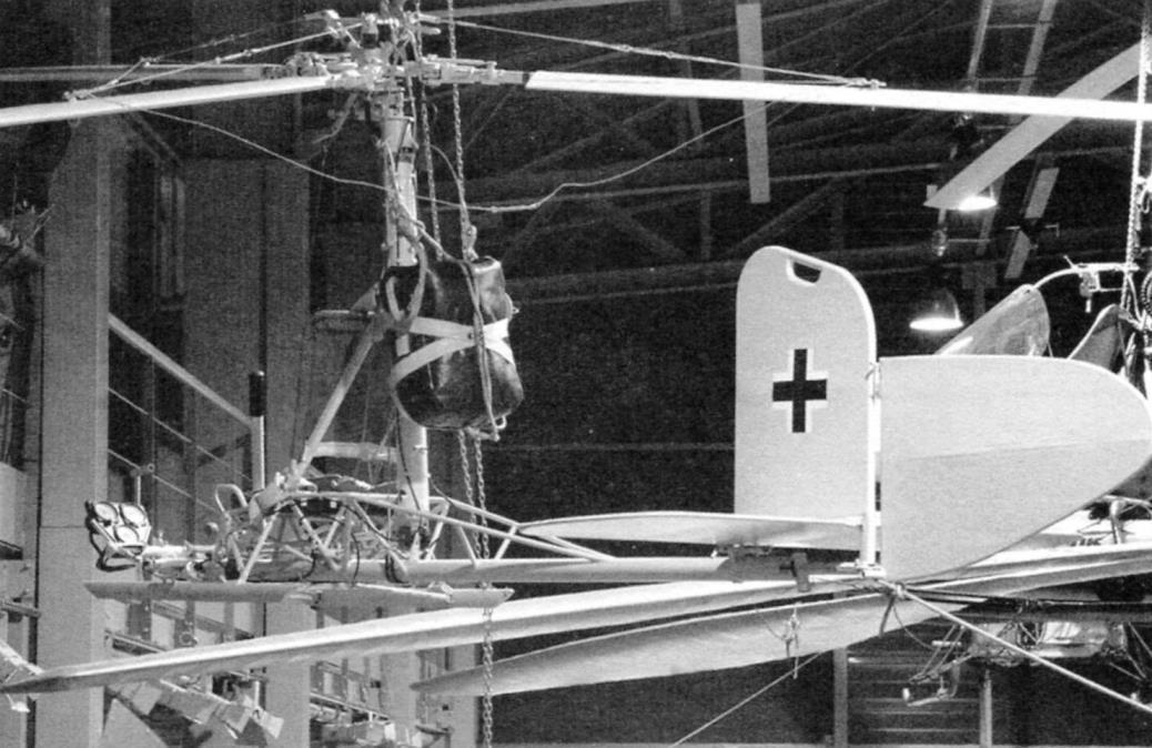 Ра-330 - вид снизу. Оцените ажурную конструкцию автожира. Fa-330 — вид сбоку, хорошо видны хвостовое оперение и ранец с парашютом