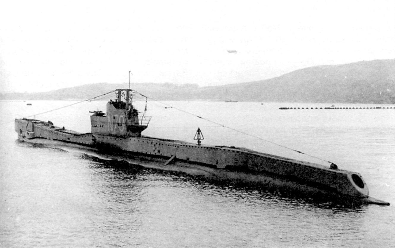 Субмарина Трбэй (тип «Т», 1-я серия) после модернизации 1944 года. Установлен дополнительный торпедный аппарат в корме и 20-мм автомат на площадке позади рубки