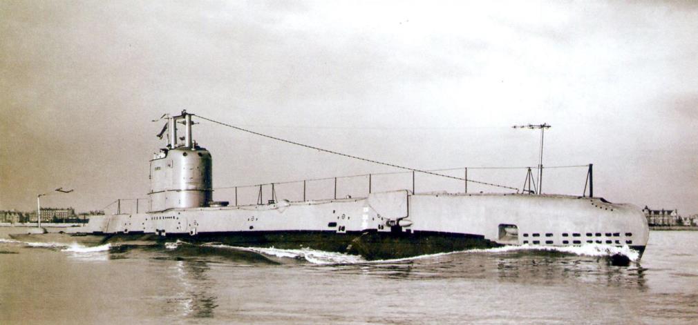 Британская субмарина «Суордфиш» на ходовых испытаниях, 1933 г.