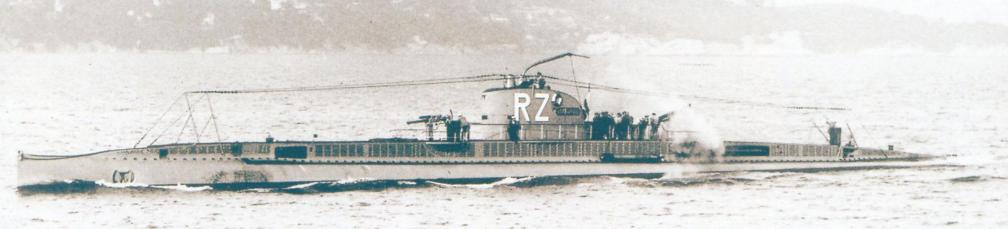 «Ромазотти» на практических торпедных стрельбах в 1924 г. С перископом лодки - «небольшая проблема» (как отмечалось в отчёте): на самом деле он согнут почти под прямым углом. В октябре того же года перископ пришлось заменить на снятый с «Санэ».