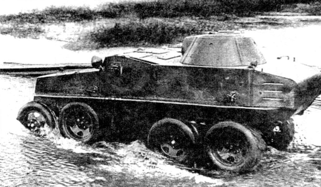 Бронеавтомобиль ПБ-7 с двумя спаренными пулемётами ДТ калибра 7,62 мм