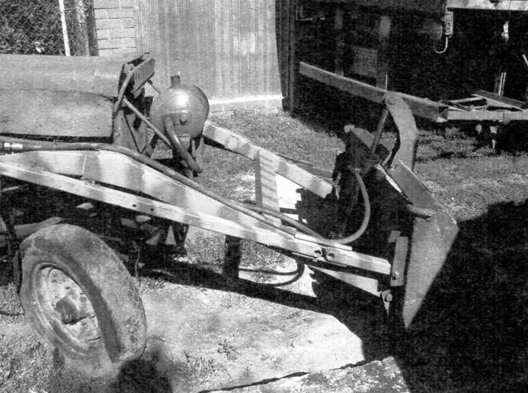 Фрагмент конструкции погрузчика. Вид справа