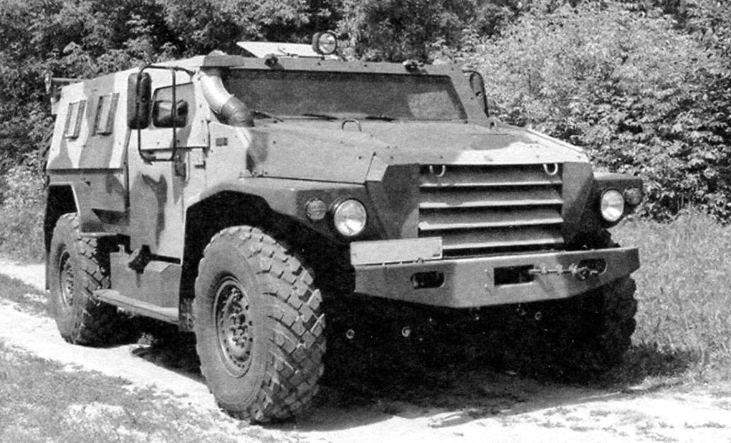 Multi-purpose armored car SPM-3