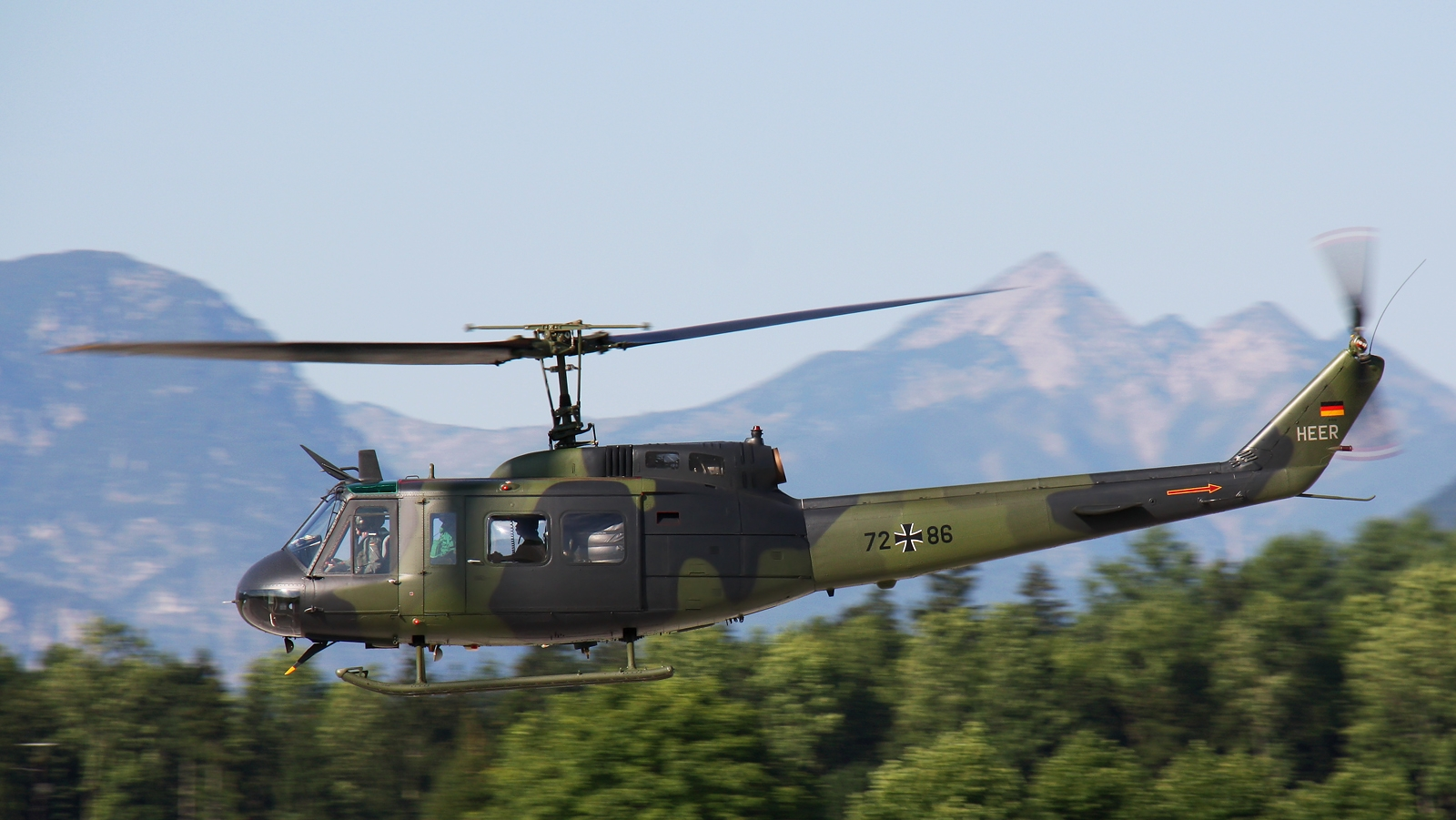 BELL 212 (UH-1N)