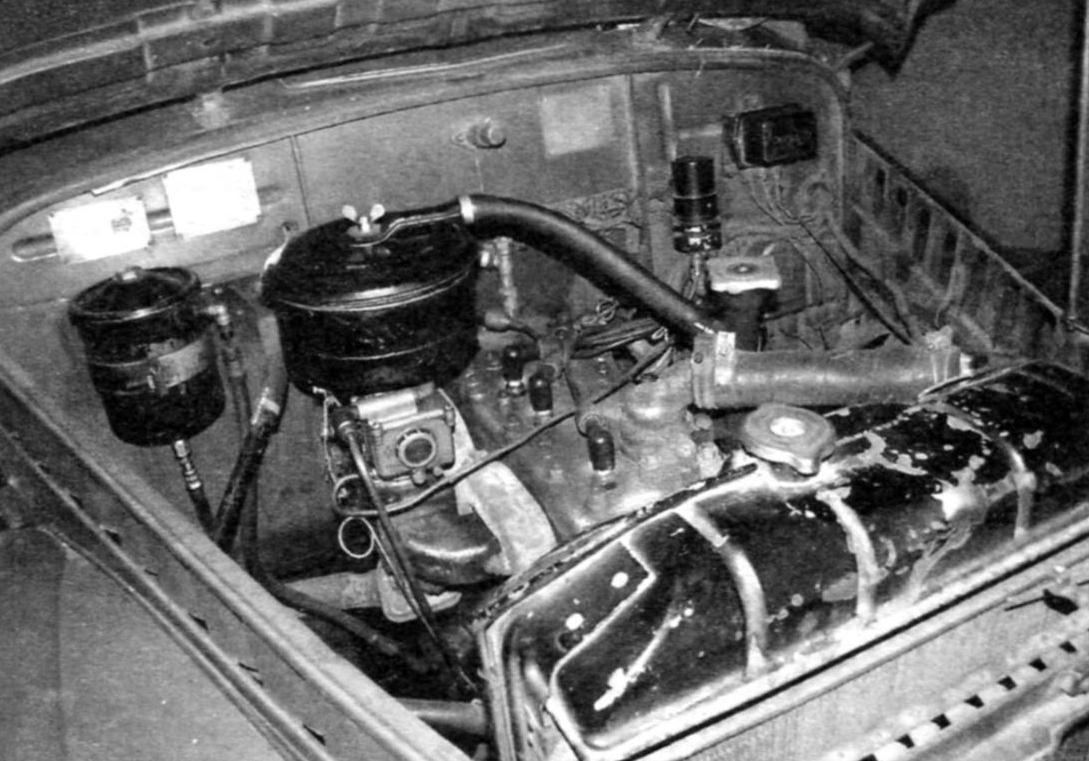 Подкапотное пространство ГАЗ-69