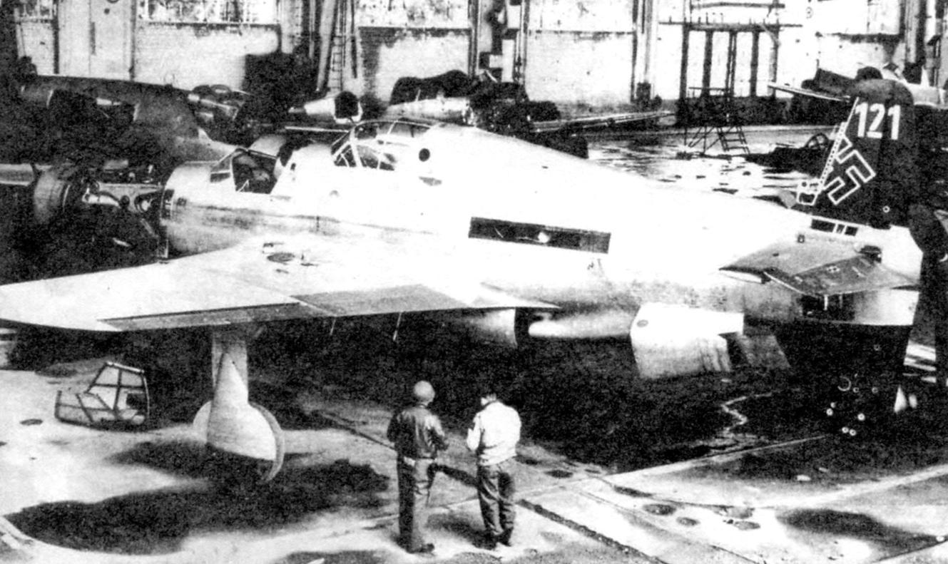 Assembling the double plane Do 335V-11