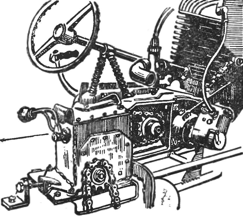 Рис. 3. Силовая передача с самодельной коробкой скоростей.