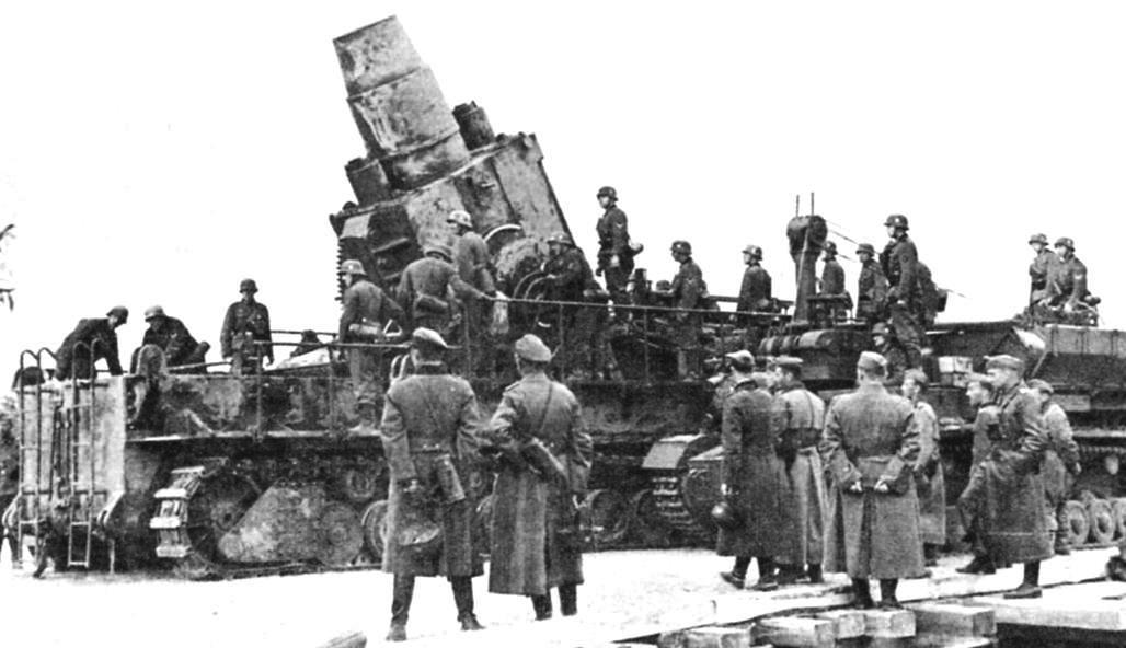 Мортира «Тор» готова вести огонь по Севастополю. Июнь 1942 г.