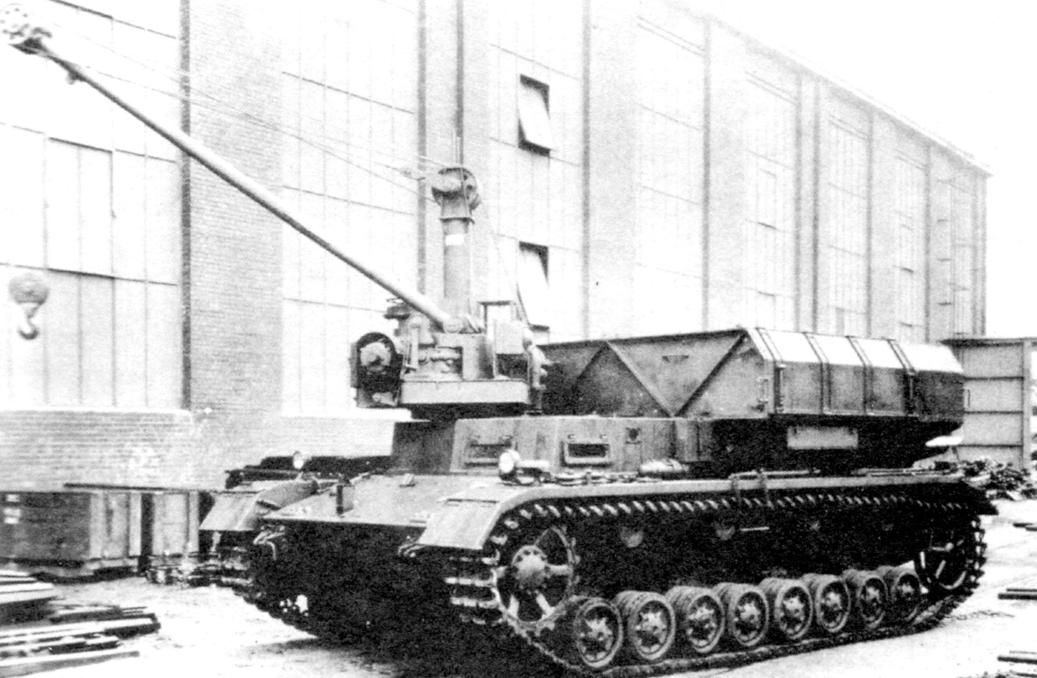 Transport-loading vehicle installation with a crane. It carried four rockets. Crawler - based on the tank Pz.Kpfw.IV
