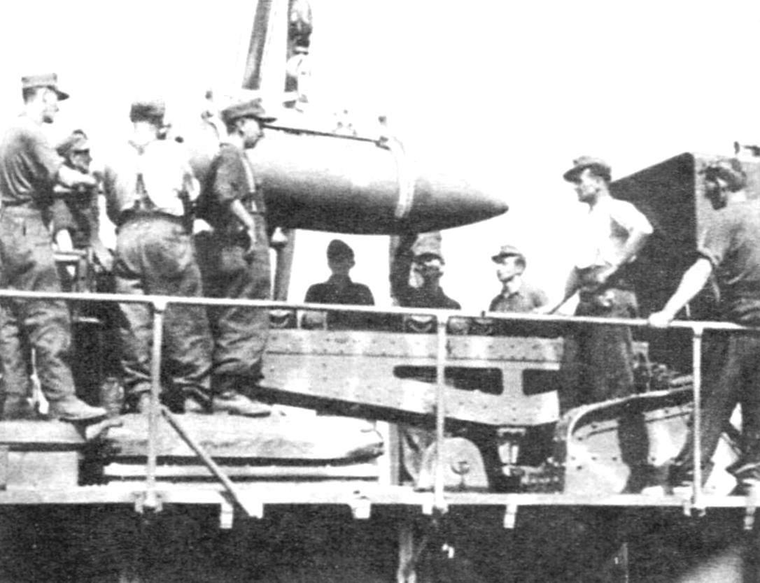 Styling shells by crane on TZM tray mortar