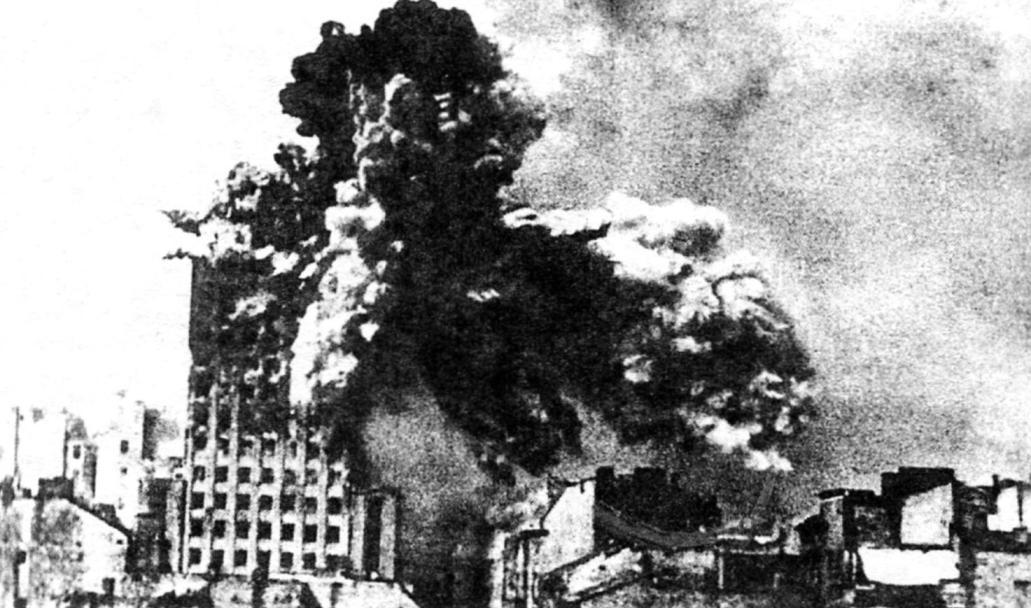 Warsaw rebels fire mortars