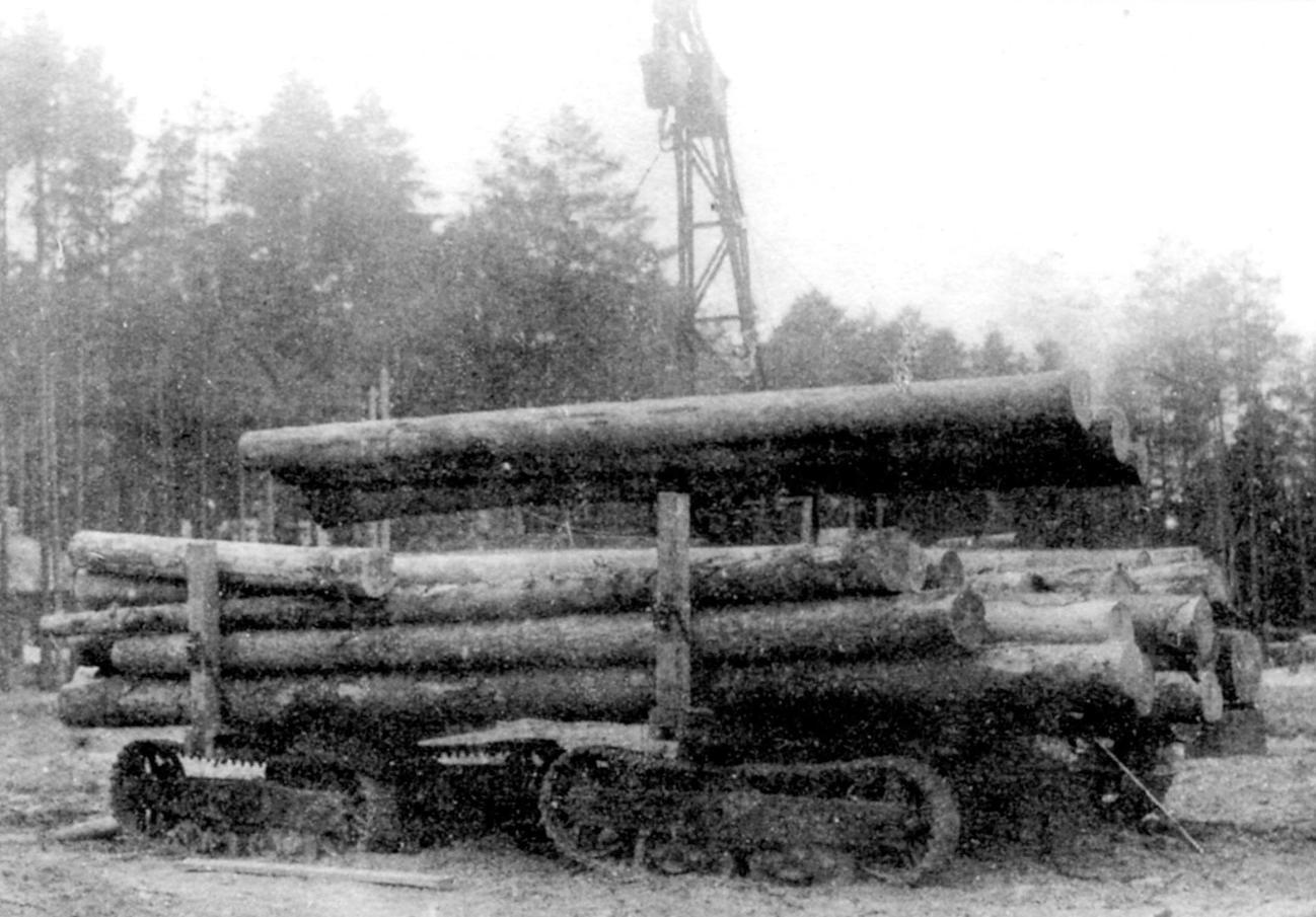 Погрузка леса тракторным краном ТК-1 на повозку ГП-12