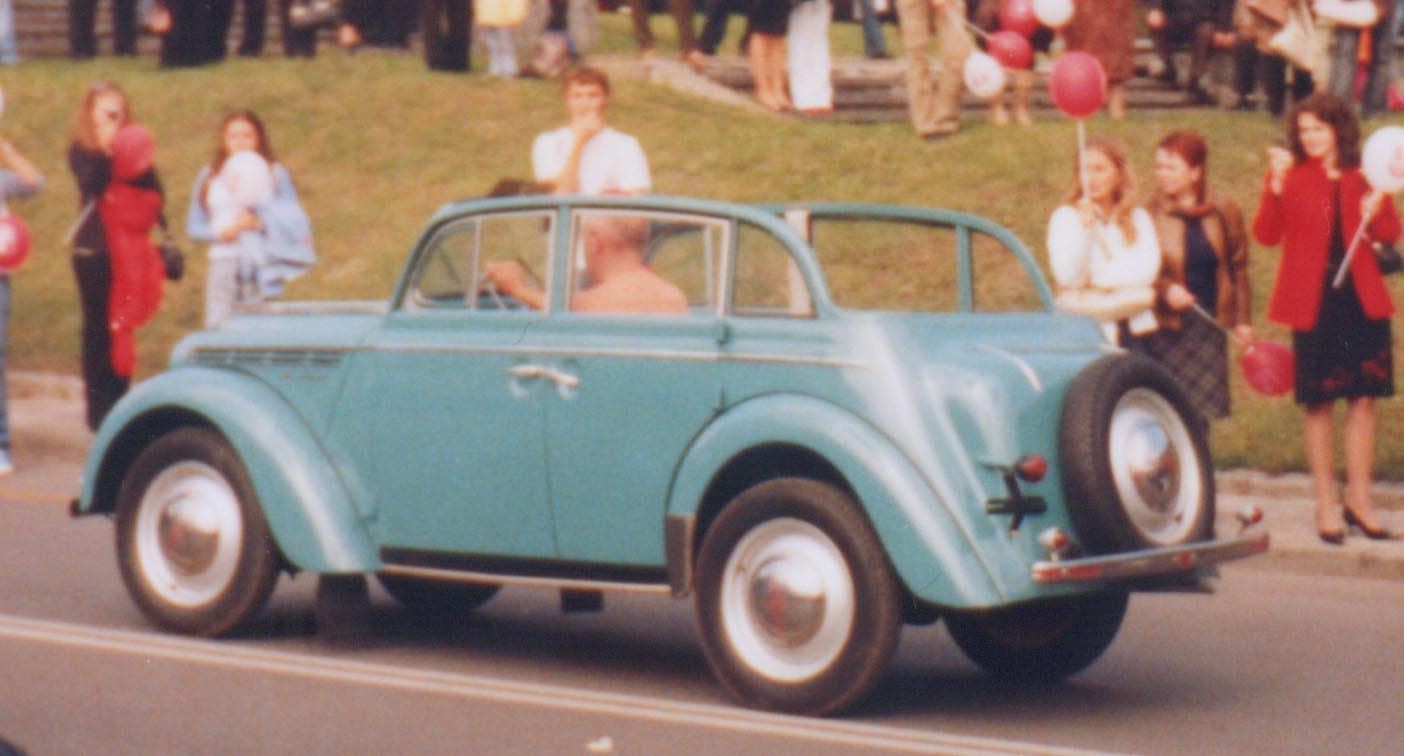 «Москвич-400/420» с кузовом «кабриолет»