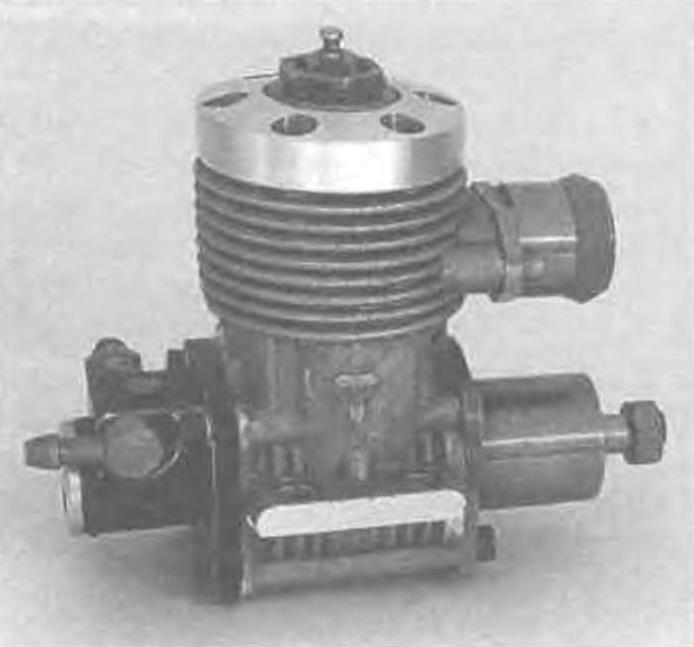 Двигатель А. Карпузикова (1,5 см3) - один из самых успешных моторов кордовою моделизма