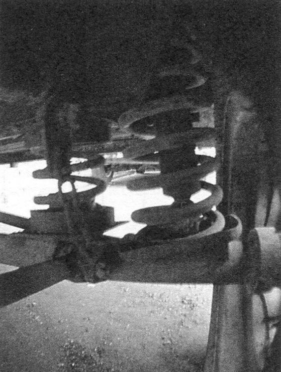 Усиленная подвеска колеса - установлена дополнительная пружина