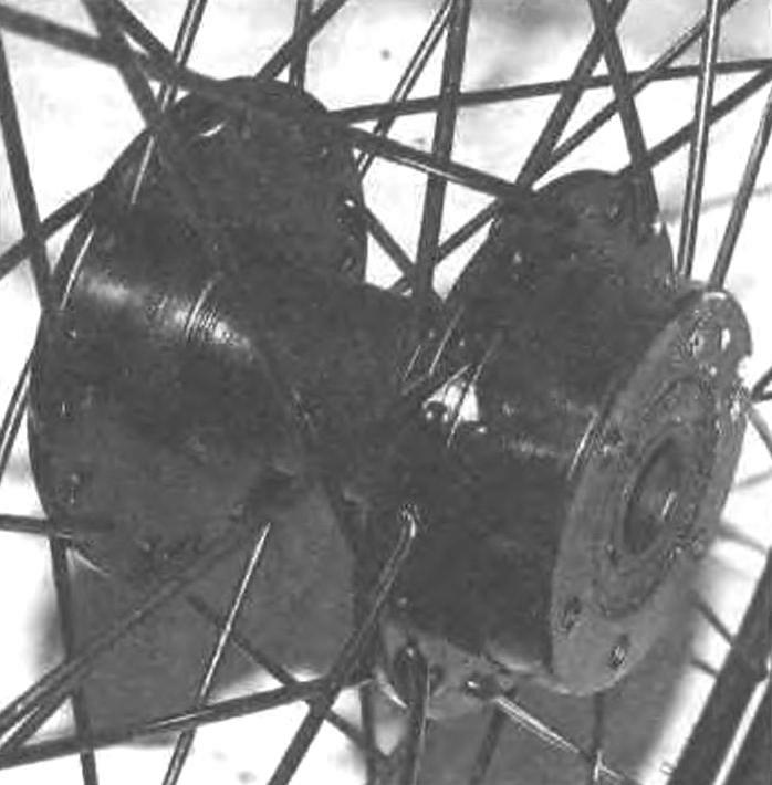 Втулка переднего колеса
