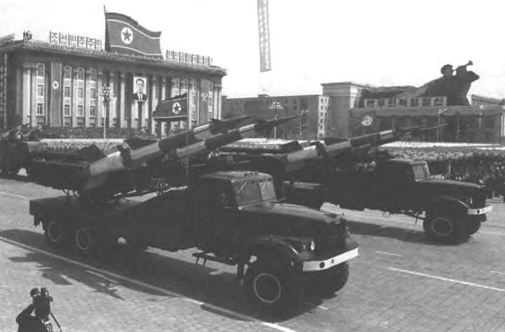 Северокорейская транспортно-пусковая установка зенитно-ракетной системы С-125 на шасси КрАЗ-256
