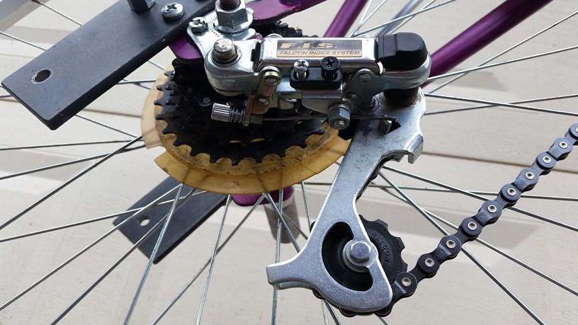 Шаг 8: Сборка велосипеда: цепь