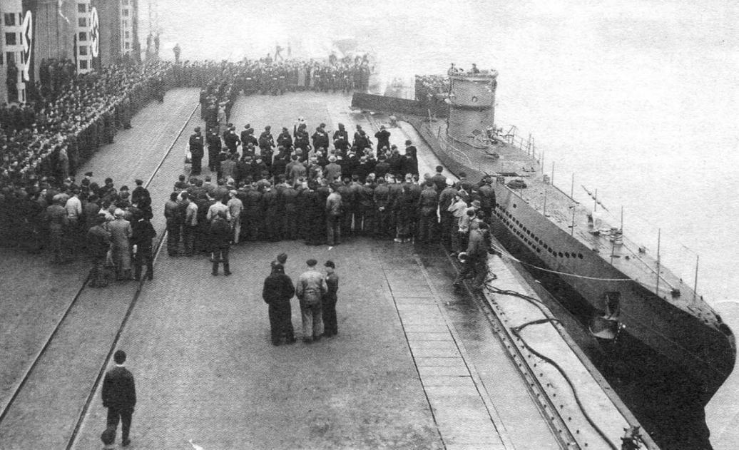 Передача немецкому флоту от судостроителей подводной лодки Тип VIIС U-408