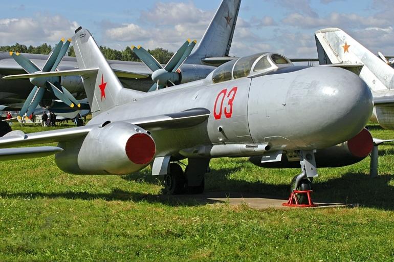 Як-25