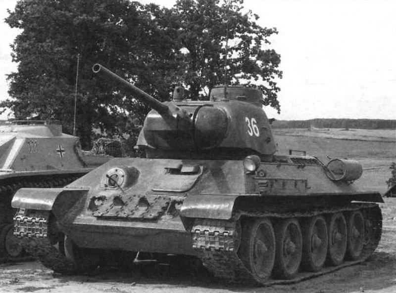 Танк Т-34-76 со штампованной башней, выпущенный Уральским заводом тяжелого машиностроения в 1943 году