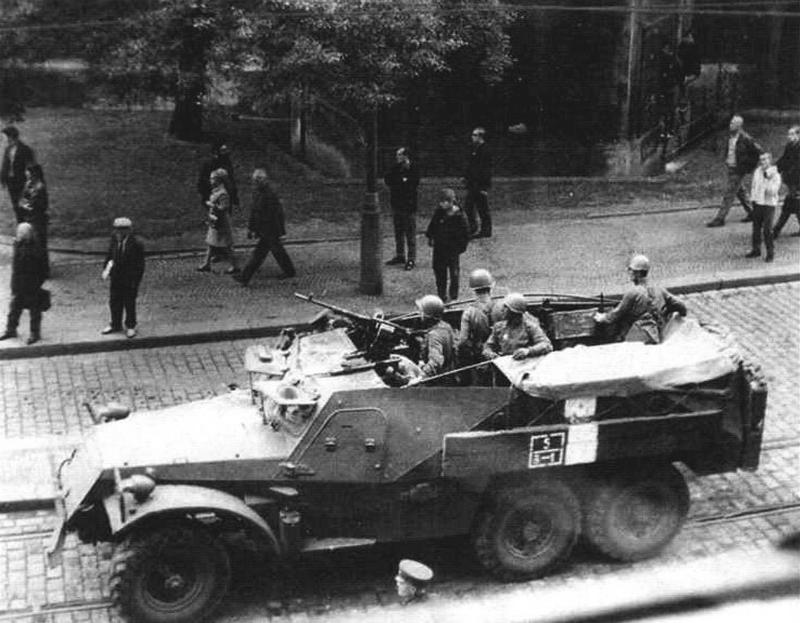 БТР-152 во время венгерских событий 1956 г.