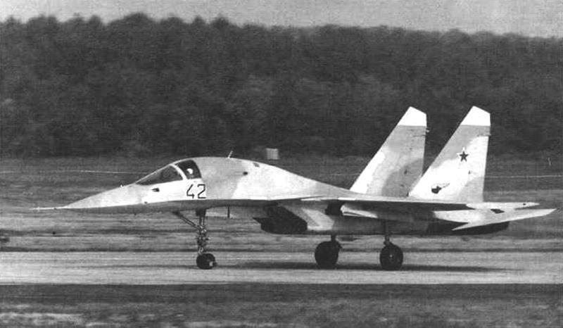 Истребитель-бомбардировщик Су-27ИБ (Т10В-1)